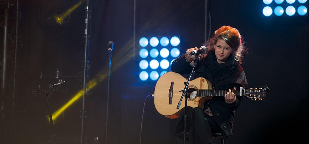 Cantar con guitarra